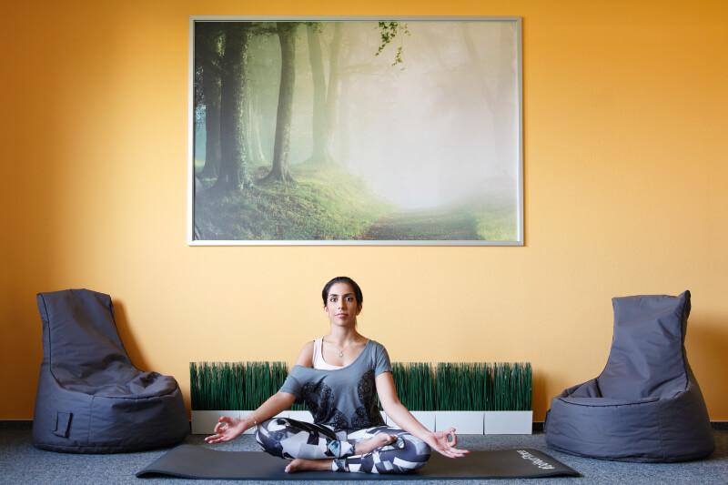 Yoga befreit den Geist und fördert das Wohlbefinden!
